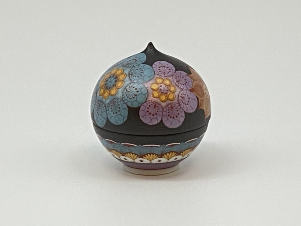 Lidded Cup with Flower Design